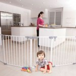 Win a Dreambaby 3 in 1 Play-Yard and Wide Barrier Gate